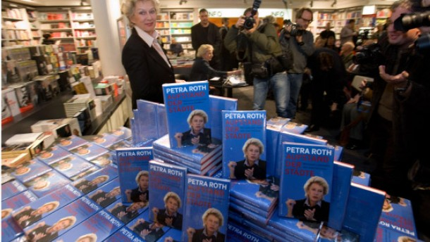 Alles fließt: Petra Roth stellt ihr Buch vor