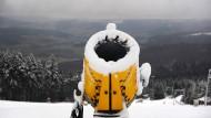 Schneedecken wachsen in hessischen Mittelgebirgen