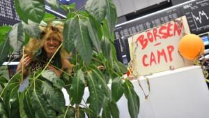 Legionärinnen und Hippies im Börsen-Camp