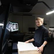 Vernetzt: Lea Korb ist beim Scanner-Hersteller Microbox die Frau für Social Media