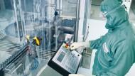 Biotest verarbeitet Blutplasma, das Antikörper enthält.