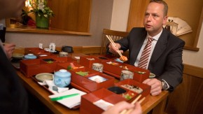 Henning Gebhardt - Business Lunch mit DWS Fondsmanager
