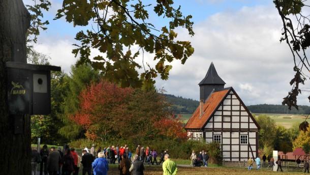 Kirche aus Kohlgrund - Im Freilichtmuseum Hessenpark bei Neu-Anspach ist die nordhessische Kirche saniert worden.