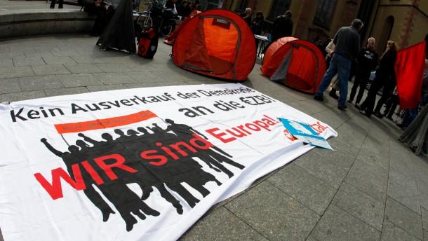 """Probeaktion zu Aktionstagen """"Blockupy Frankfurt - Widerstand gegen Spardiktat von Troika und Regierung"""""""