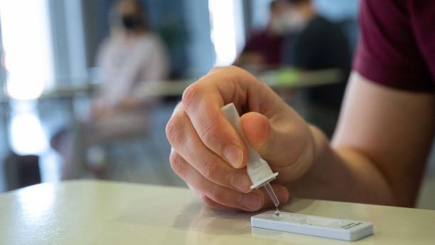 Schülertests werden Inzidenz steigen lassen
