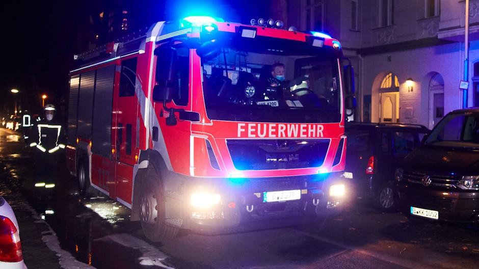 Großeinsatz: Bei einem Brand im Frankfurter Westend konnte die Feuerwehr aber nicht jeden retten.