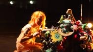 "Entdecke das Monster in dir: Szene aus Andrea Simons Kindertanztheater ""Minotaurus""."