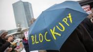 Polizei schafft Schutzzone um EZB