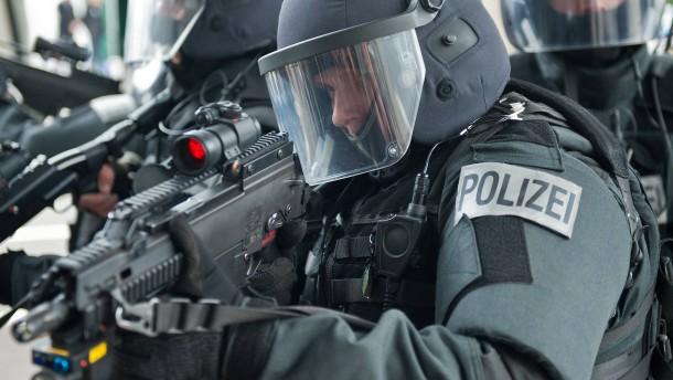 Anzeige wegen Verstoßes gegen Waffengesetz nach SEK-Einsatz