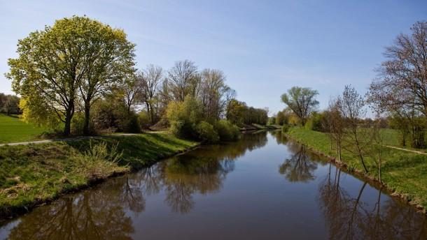 Klarere Fluten für Fische, Flusskrebse und Insekten