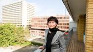 Im schlimmsten Fall könnte es bis zu 300 von 2700 Mitarbeitern treffen, sagte die neue Geschäftsführerin des Klinikums, Mecke-Bilz