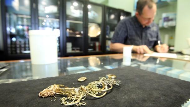 Goldankauf in einer Münzhandlung in Hamburg