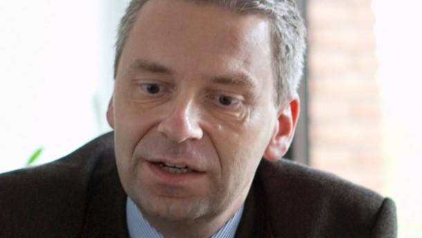 <b>Michael Cyriax</b> - Der neue Landrat des Main-Taunus Kreis von der CDU im ... - auf-sparkurs-michael-cyriax
