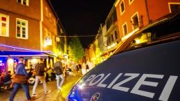 Drei Männer in Frankfurter Vergnügungsviertel verletzt