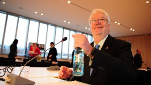 Justizminister: EBS-Finanznöte frühzeitig bekannt