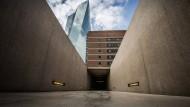 Erinnert an Juden-Deportationen in Frankfurt: Mahnmal in der EZB