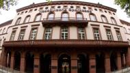 Traditionsreiches Haus: der Sitz der Naspa an der Rheinstraße in Wiesbaden.