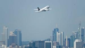 """Auswärtiges Amt rät """"dringend"""" von Reisen in Ebola-Gebiete ab"""
