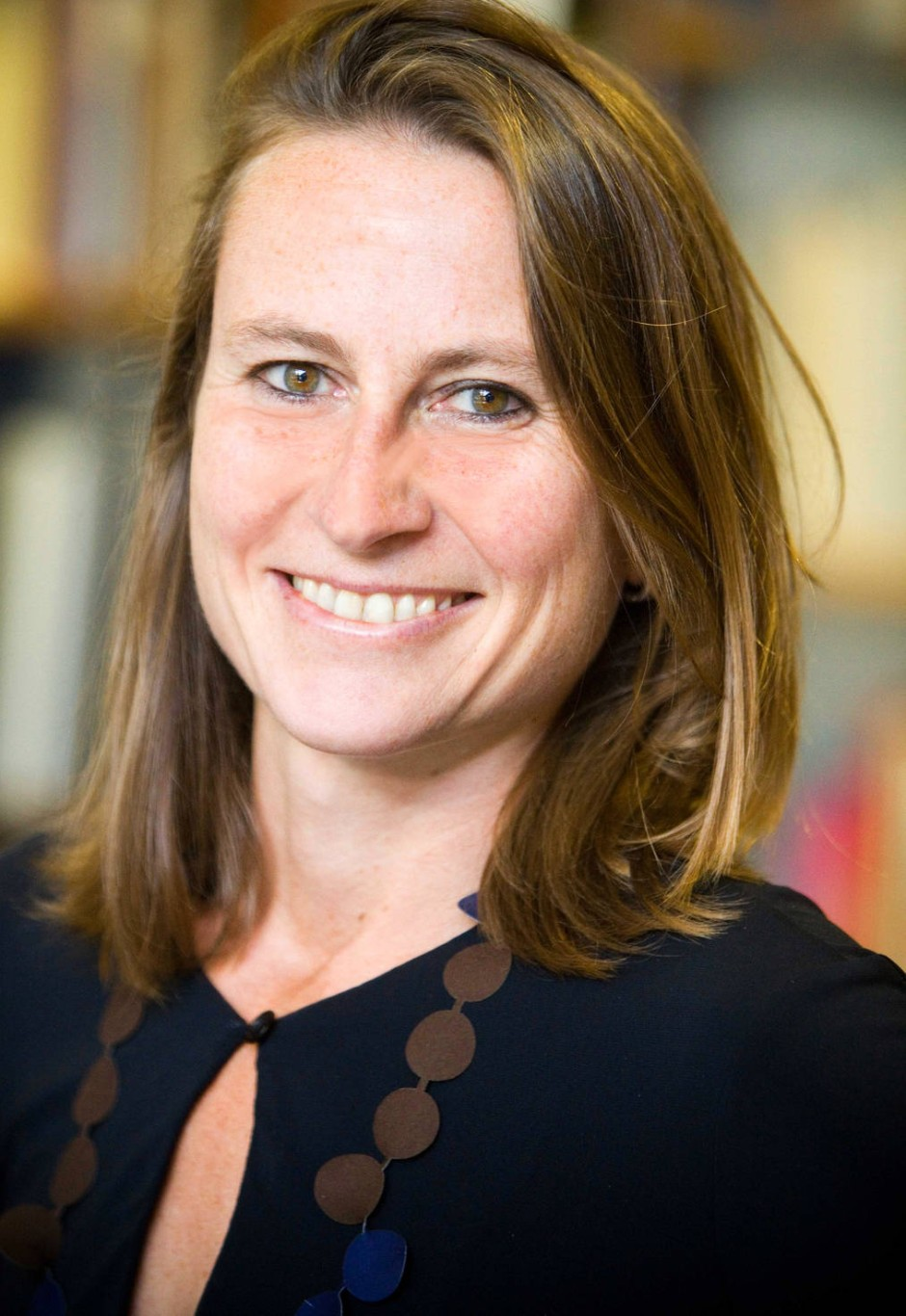 Sie betreut im Namen der Stiftung Buchkunst den Wettbewerb: Alexandra Sender, Geschäftsführerin.