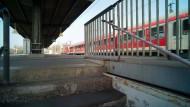 Vorhaben: Eines der Schienen-Bauprojekte in Rhein-Main ist die nordmainische S-Bahn, auf die auch die Stadt Hanau hofft - hier ihr Bahnhof im Bild