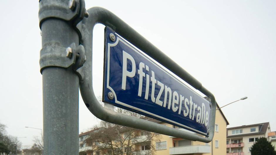 Seit Jahrzehnten: Eine 300 Meter lange Straße im Komponistenviertel ist nach Hans Pfitzner benannt.