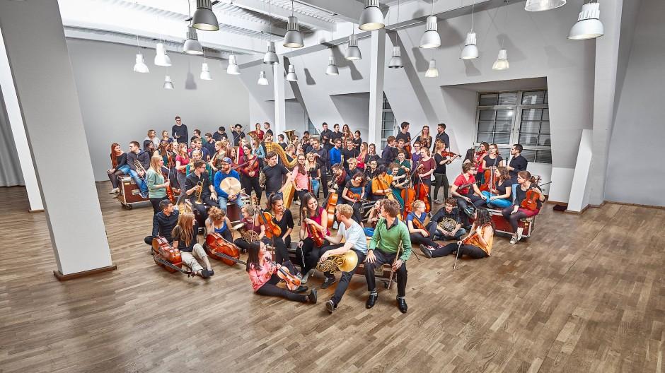 Und jetzt alle: Die Mitglieder der Jungen Deutschen Philharmonie