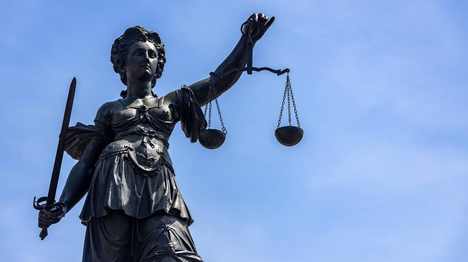 Urteilsverkündung: Der Angeklagte muss in die Psychiatrie (Symbolbild).
