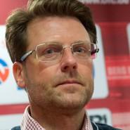 Ernste Miene zum ernsten Spiel: Rico Schmitt, Fußballfachmann beim OFC