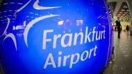 Es bleibt beim Frankfurt Aiport: Weder Fraport noch das Land Hessen und die Stadt Frankfurt haben die Absicht, den Flughafen umzubenennen.