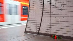 S-Bahn-Station bekommt Gedenktafel für getöteten Schüler