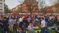 Feiern unter freiem Himmel: Nach dem Wochenmarkt am Freitag wird der Friedberger Platz wieder zur Partyzone.
