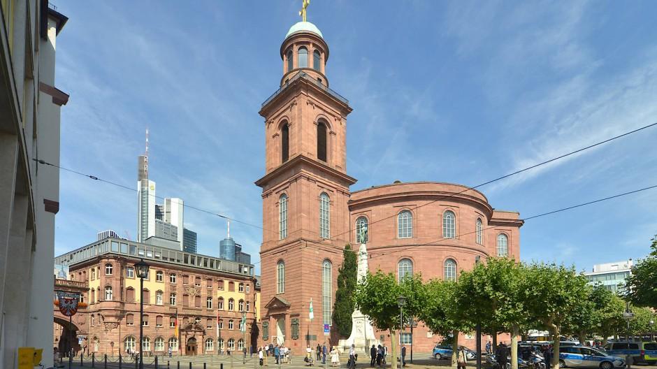 In einem Bürgerdialog soll geklärt werden, wie die Paulskirche und ihre Umgebung künftig aussehen sollen.