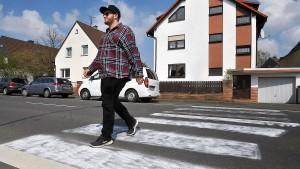 Polizei fasst Zebrastreifenmaler von Eppertshausen