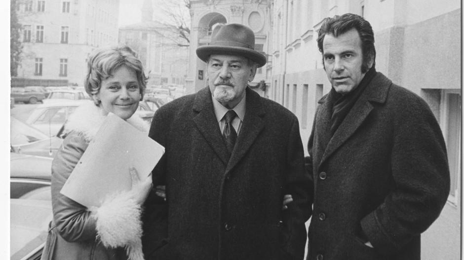 Maximilian Schell und Maria Schell mit ihrem Vater Hermann in Salzburg 1972. Auch der Nachlass von Maximilians Schwester befindet sich im Besitz der Frankfurter.