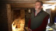 Freigelegt: Rudolf Krönke in der alten Mikwe
