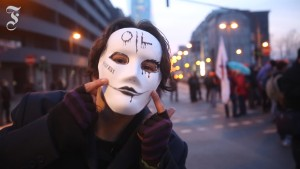 Von Straßenschlacht zu friedlichem Protestzug