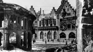 Frankfurter Römer nach Kriegsende und heute