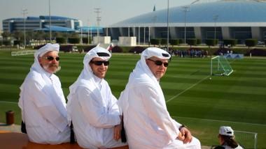 Diese drei Zuschauer freuen sich über die neue Sportmacht Qatar