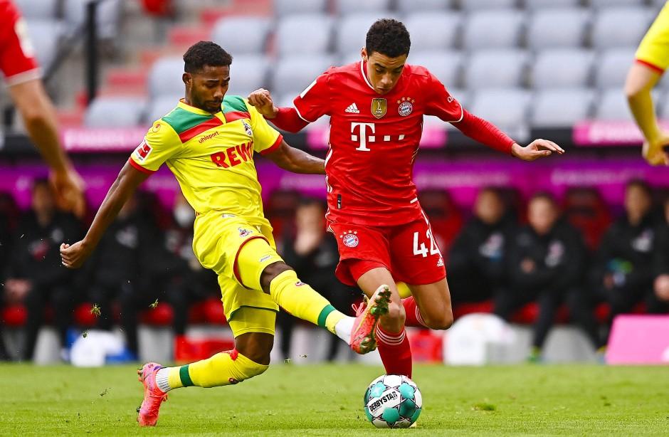 Fleißig ohne, behutsam mit dem Ball: Jamal Musiala (rechts) gegen Kölns Emmanuel Dennis