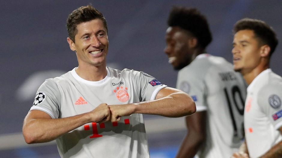 Robert Lewandowski und der FC Bayern beweisen Stärke beim 8:2-Sieg über den FC Barcelona.