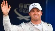 Beste Laune in Baku: Nico Rosberg startet von Platz eins in Aserbaidschan.