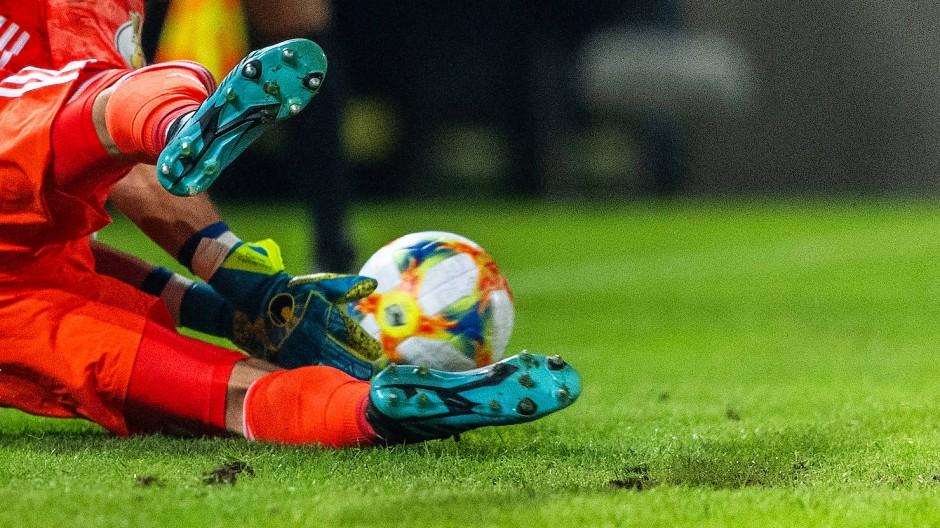 Elfmeterschießen ist zumeist ein Fest für Fußballfans  – diesmal nicht.