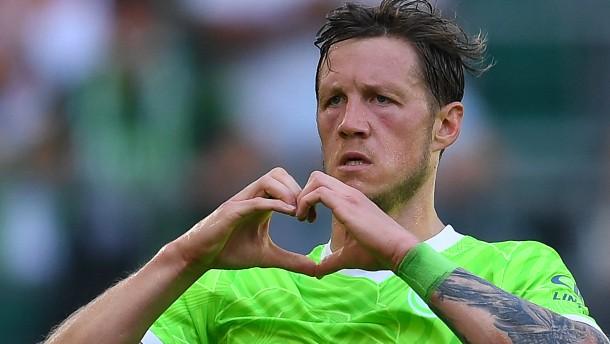 Wolfsburg und van Bommel starten gut