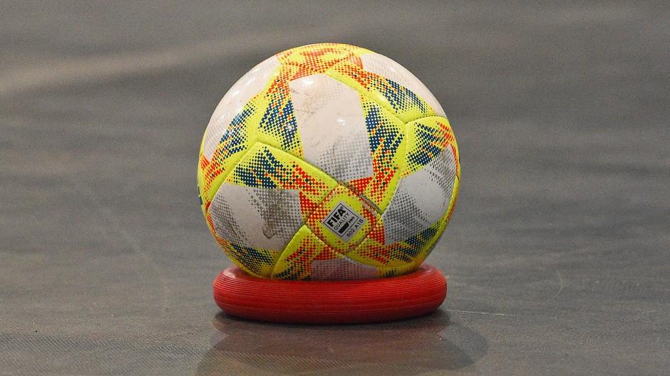 Futsal: Gelareh Nazemi hat es als Schiedsrichterin weit gebracht.
