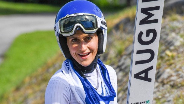 Top-Skispringerin muss notoperiert werden