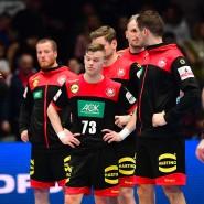 Die Gesichter sprechen Bände: Die deutschen Handball-Nationalspieler nach der Niederlage gegen Kroatien.