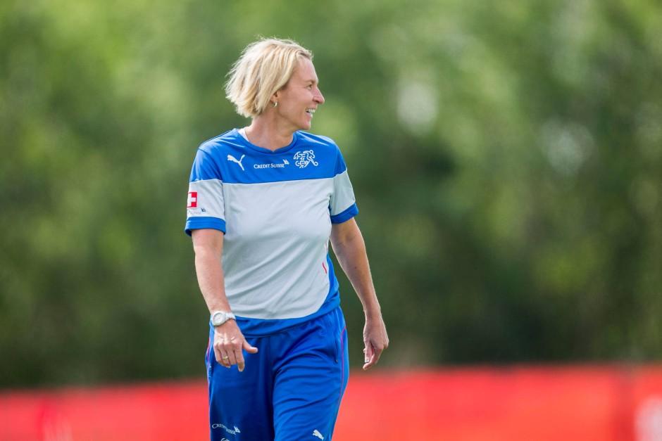 Die heutige Schweizer Nationaltrainerin Martina Voss-Tecklenburg: Mit schlechtem Gewissen im Bus
