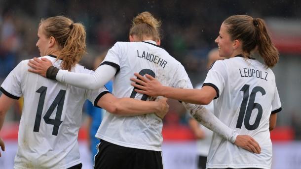 Fußballfrauen machen großen Schritt zur WM