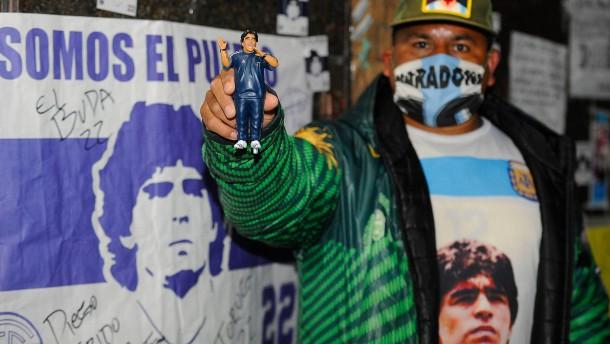 Ärzte setzen Maradona auf Entzug