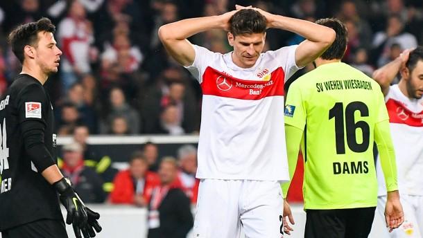 Wiesbaden schockt VfB, Darmstadt sieglos